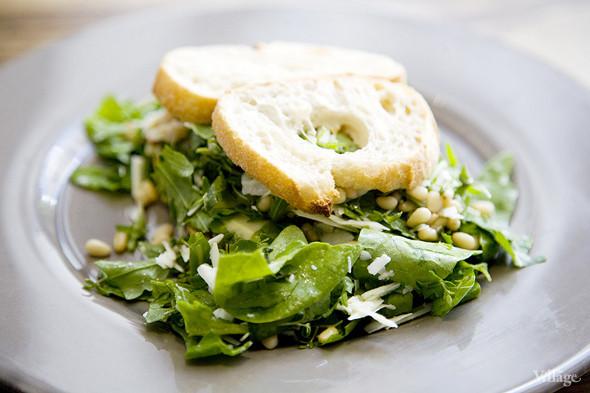 Сэндвич Healthy с авокадо, пармезаном и кедровыми орешками — 360 рублей. Изображение № 43.