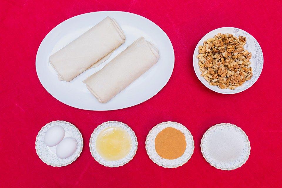 Пахлава: мёд, вода, яйцо, тесто бездрожжевое, грецкий орех, сахар, корица.. Изображение № 41.