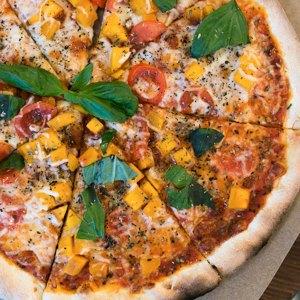 Тестоблюстители: Кто икак делает неаполитанскую пиццу вПетербурге. Изображение № 4.