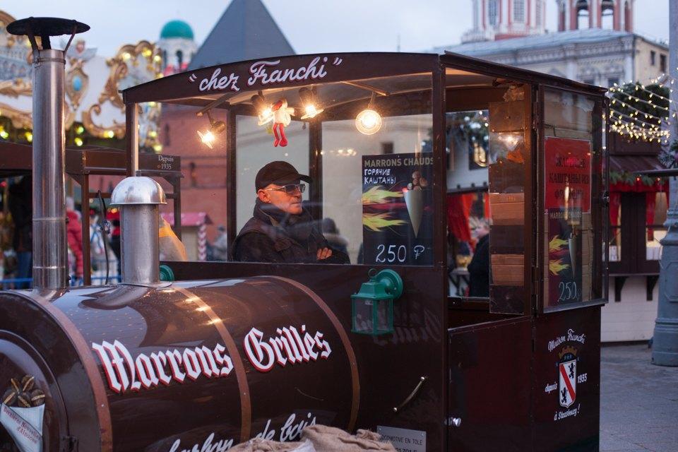 Торг уместен: Иностранцы инспектируют рождественские ярмарки Москвы. Изображение № 1.
