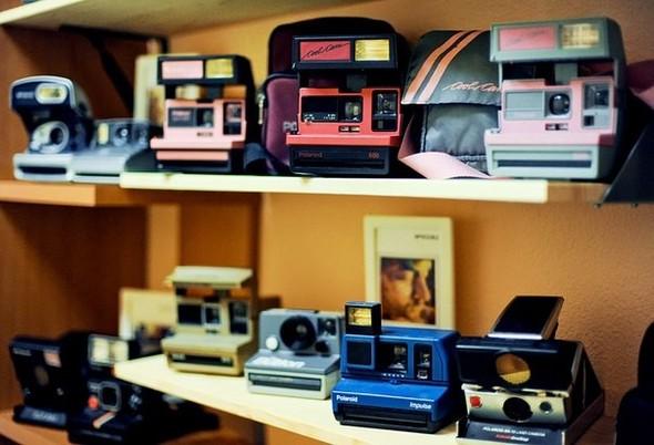 На «Чистых прудах» открылся магазин Polaroid. Изображение № 7.