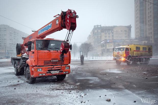 Фоторепортаж: Прорыв труб на «Приморской». Изображение № 9.