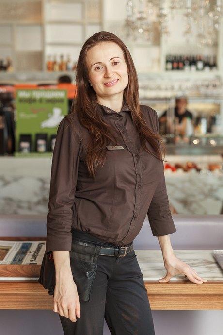Первые лица: Как подбирают официантов в«Кофемании». Изображение № 5.