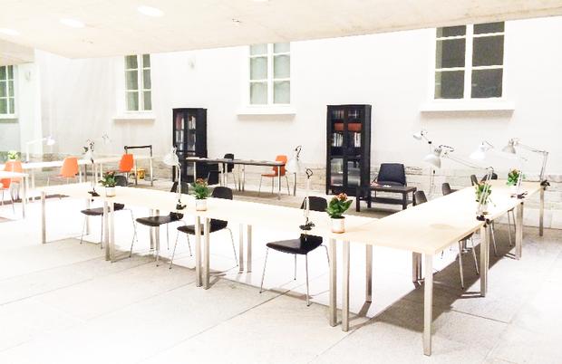 ВГлавном штабе открыли читальный зал «Манифеста10». Изображение № 1.