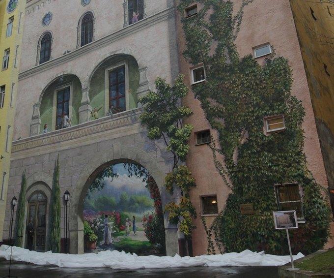 Внутренний двор Института Турнера расписали живописцы