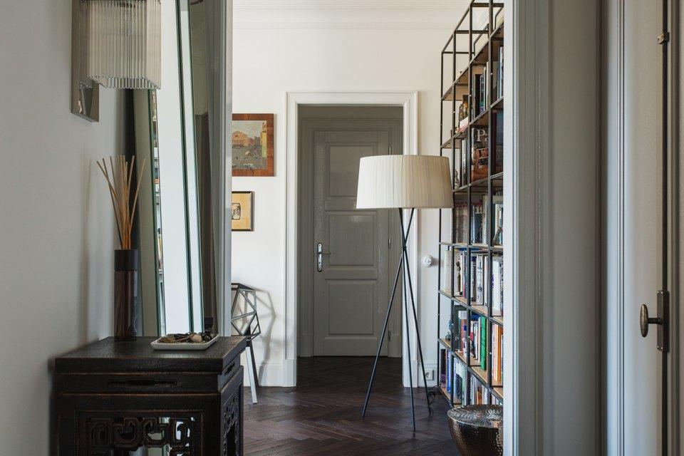 Светлая квартира архитектора всталинском доме. Изображение № 29.