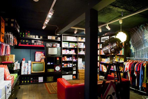 После прочтения съесть: 5 кафе при магазинах. Изображение № 54.