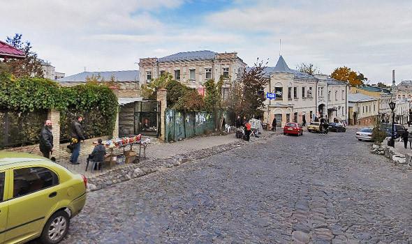 Фоторепортаж: На Андреевском спуске снесли здание XIX века. Зображення № 8.