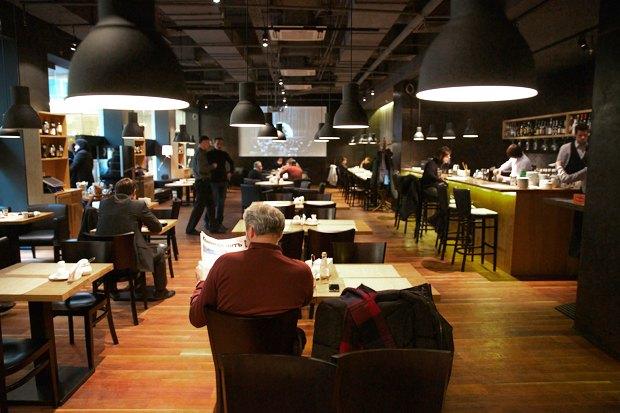 В атриуме «Новинского пассажа» открылось кафе «Доможилов». Изображение № 4.