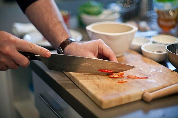 Шеф дома: Том ям и сашими из тунца Геннадия Иозефавичуса. Изображение № 90.