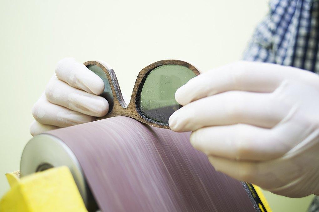 Деревянное и стеклянное: Почему солнечные очки Woodeez продаются даже зимой. Изображение № 5.