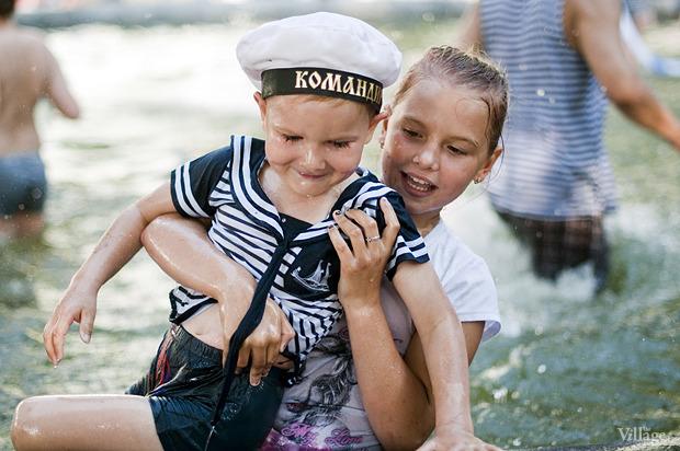 Фоторепортаж: День Военно-морского флота в Петербурге. Изображение № 48.