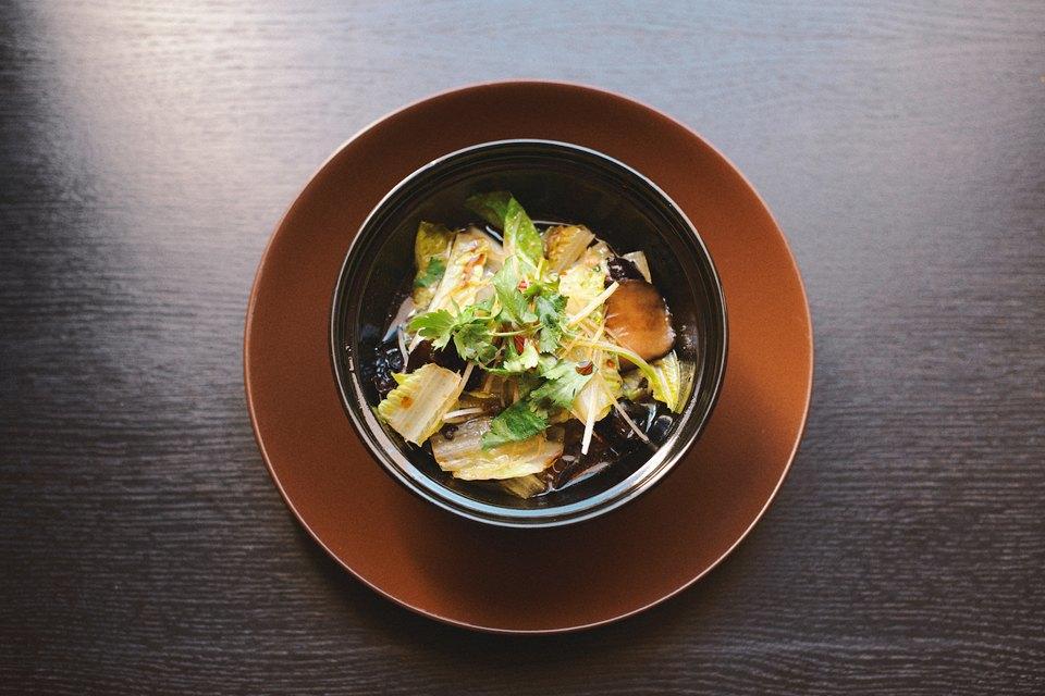 Тёплый китайский салат с соусом Па Пэ, 460 рублей. Изображение № 19.