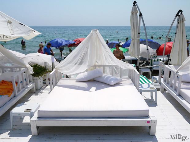На песке: 5 пляжных клубов Одессы. Зображення № 27.