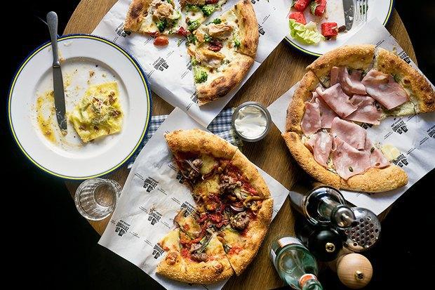 Суши-бар Buba, ресторан «Бабель», пиццерия Zotman Pizza Pie, кафе Ploveberry. Изображение № 1.
