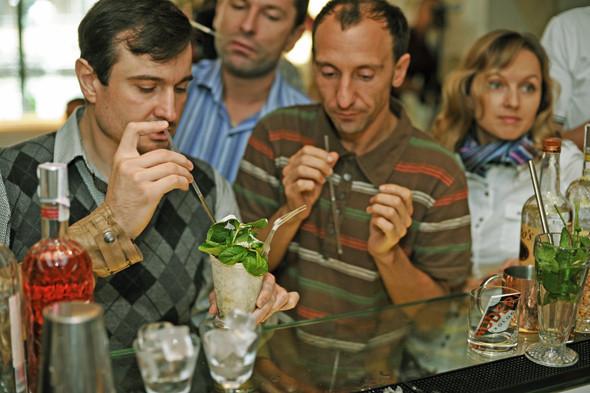 Прямая речь: Шеф-бармен Тони Абу-Ганим — о правильной водке, миксологии и коктейле бармена. Изображение № 13.