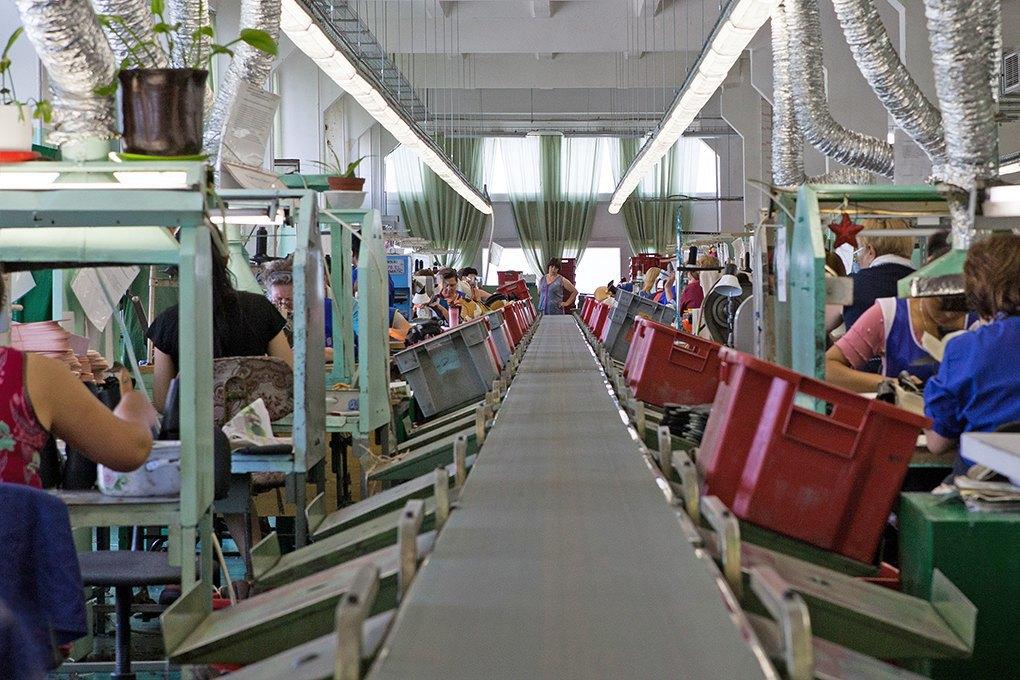 Производственный процесс: Как делают ботинки. Изображение № 14.