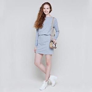 Что надеть: Свитер Raf Simons, винтажное платье Chanel иджинсы Levi's 501. Изображение № 3.