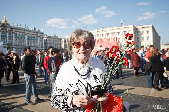 День Победы в Москве и Петербурге: Как гуляют и о чём вспоминают ветераны 9 Мая. Изображение № 59.