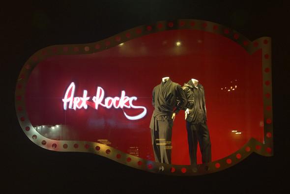 Мы вам покажем: 7 оформителей витрин московских магазинов. Изображение № 7.