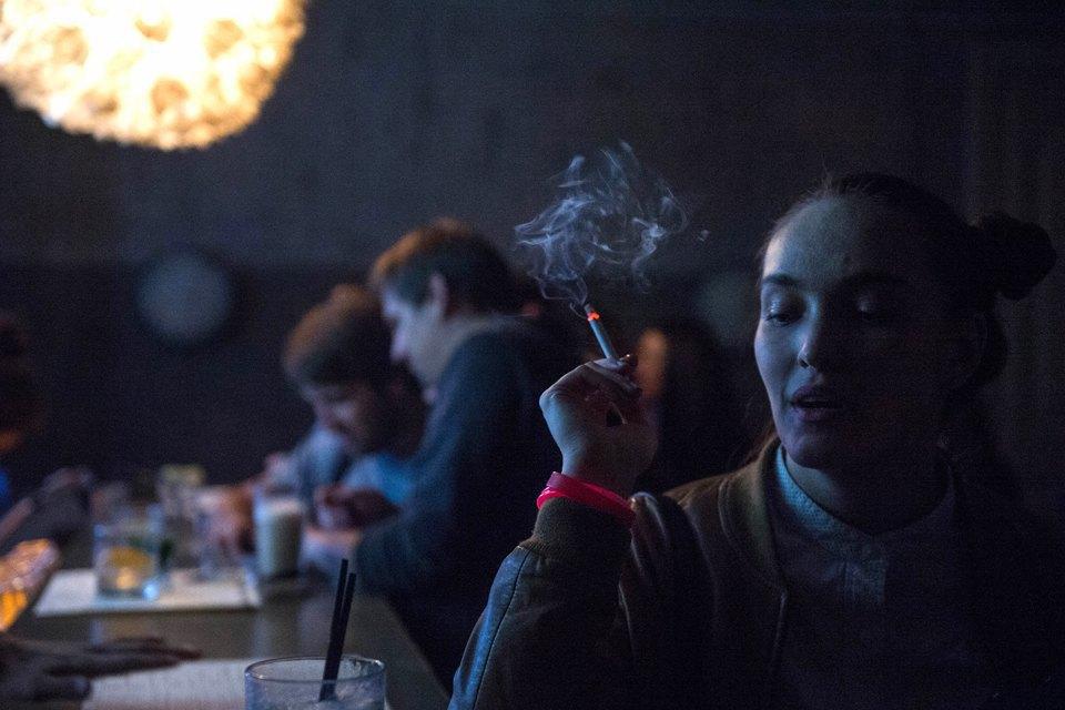 Последний день курения в клубах, ресторанах ибарах. Изображение № 19.