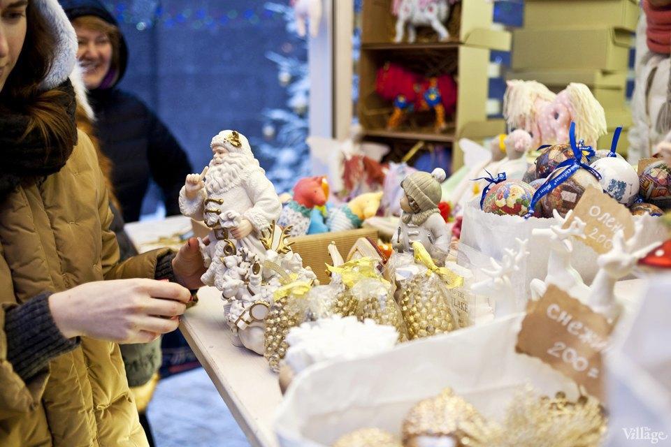 Фоторепортаж: Новогодние ярмарки в центре Москвы. Изображение № 13.