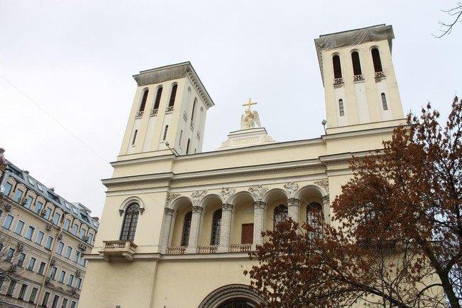 ВПетербурге полностью отреставрировали ангела наздании Петрикирхе