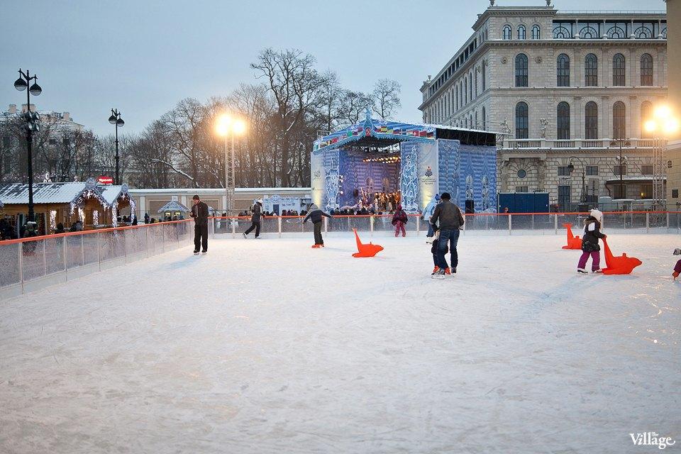 Люди в городе: Продавцы рождественской ярмарки на Островского. Изображение № 6.