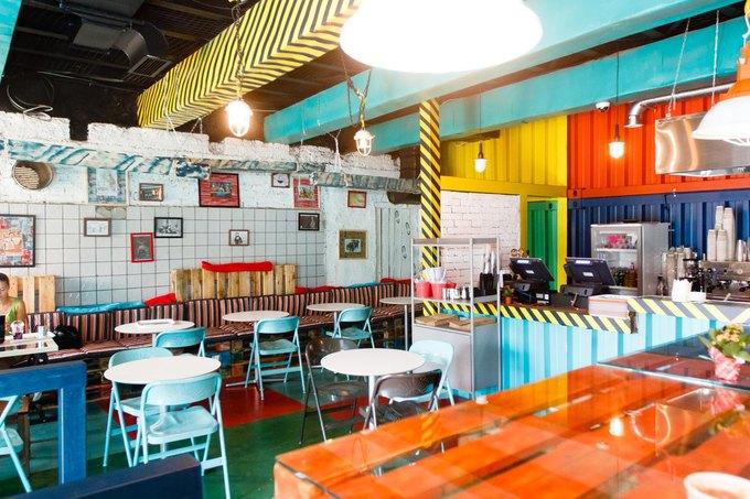 Рядом со станцией метро «Площадь Ильича» открылось кафе «The Лапша». Изображение № 1.