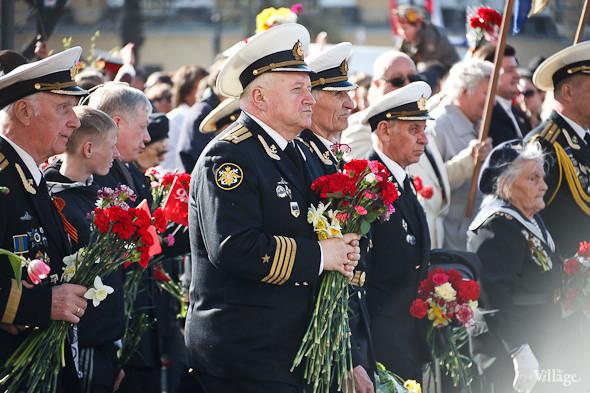 День Победы в Москве и Петербурге: Как гуляют и о чём вспоминают ветераны 9 Мая. Изображение № 47.