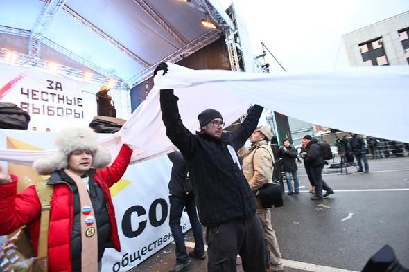 Митинг «За честные выборы» на проспекте Сахарова: Фоторепортаж, пожелания москвичей и соцопрос. Изображение № 61.