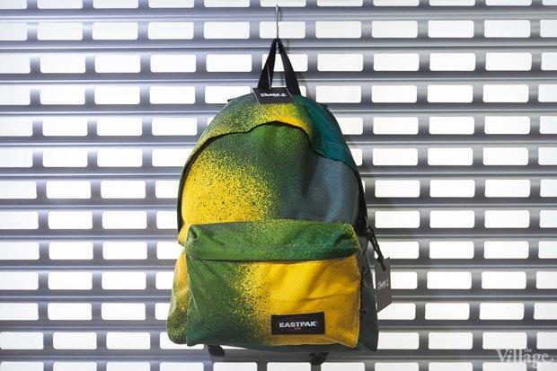 Рюкзак Eastpak Padded Pak'r — 2098 рублей. Изображение № 13.