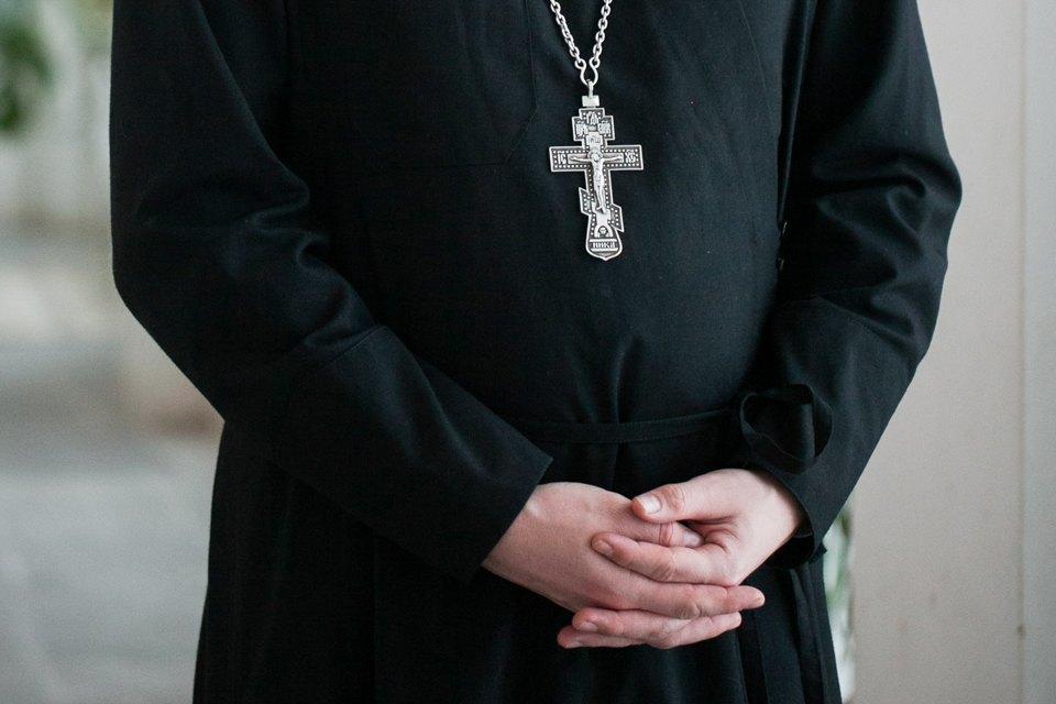 Священнослужитель— оправославных активистах, смерти иселфи. Изображение № 4.
