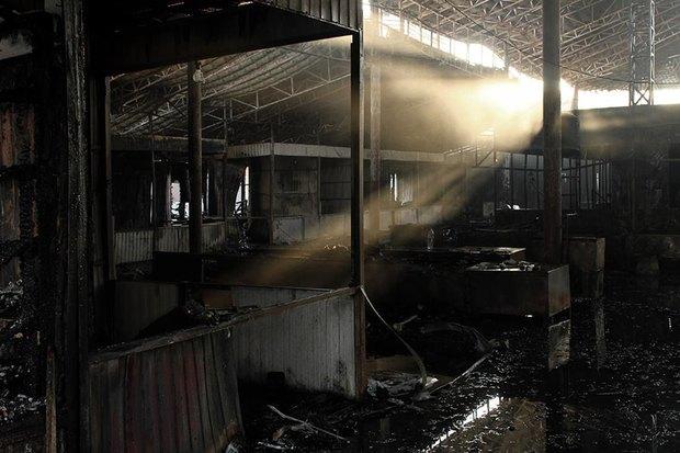 На рынке «Оболонь» выгорел весь торговый павильон. Зображення № 8.