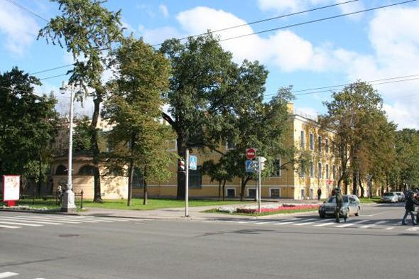 Здание Академии, во дворе которого собираются построить музей. Изображение № 2.