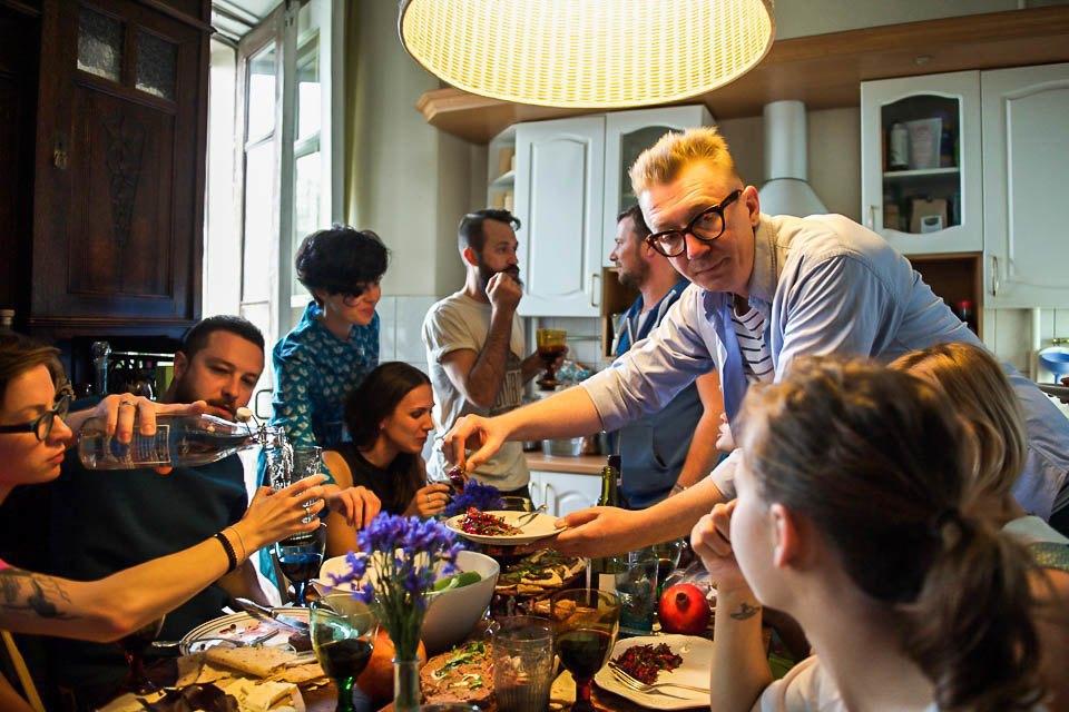 Кто изачем устраивает домашние званые ужины иобеды вМоскве. Изображение № 49.