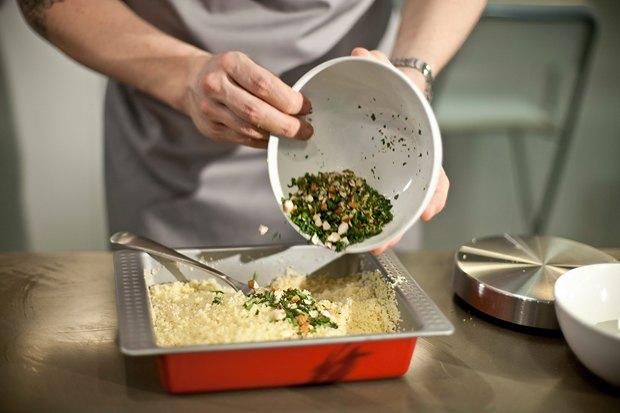 Шеф дома: Ягненок, хумус иоблепиховый десерт шефа «Стрелки». Изображение № 35.
