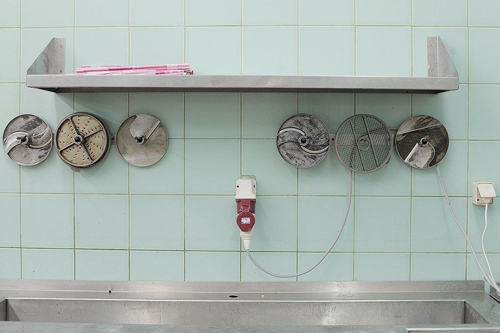 Производственный процесс: Как готовят кошерные обеды для авиапассажиров. Изображение № 16.