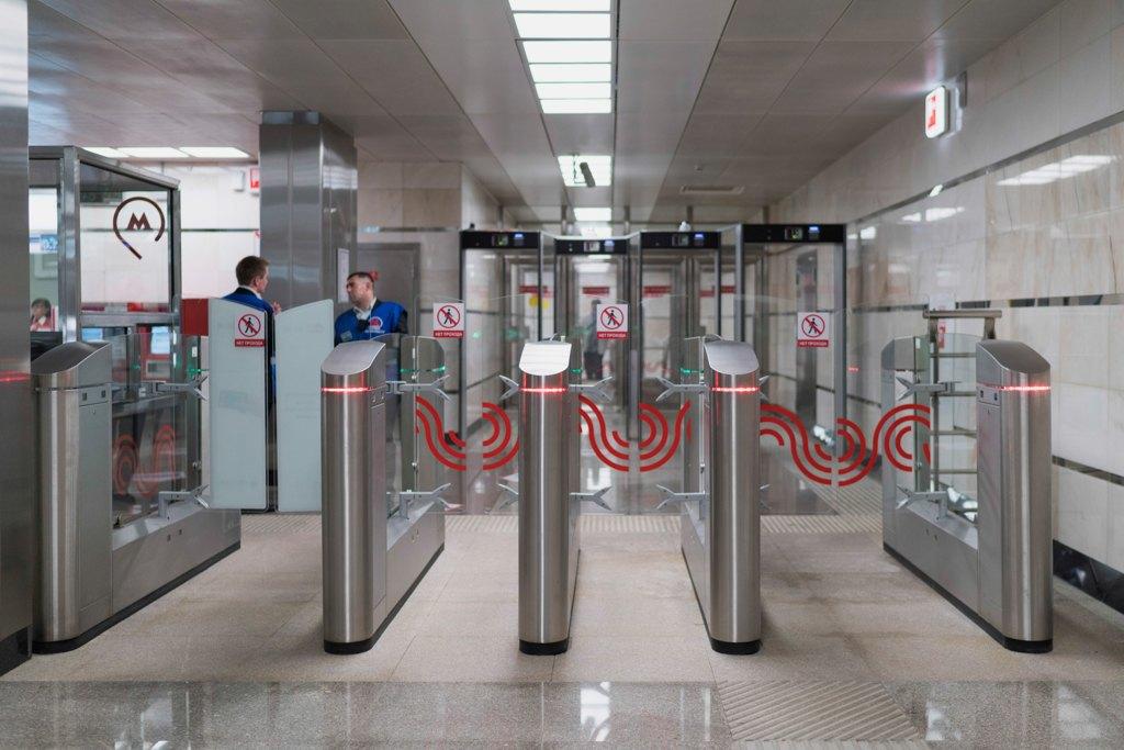 Зонтпэкер изарядка для гаджетов—как устроена станция метро «Котельники». Изображение № 18.