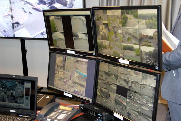 За вами следят: Кто и как обеспечивает безопасность во время Евро-2012. Зображення № 5.