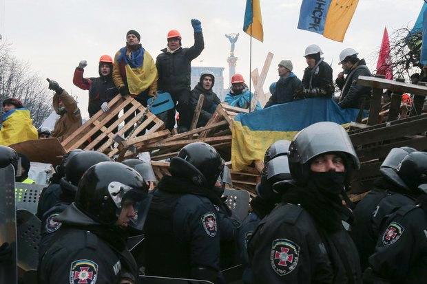 Работа со вспышкой: Фотографы — о съёмке на «Евромайдане». Изображение № 7.