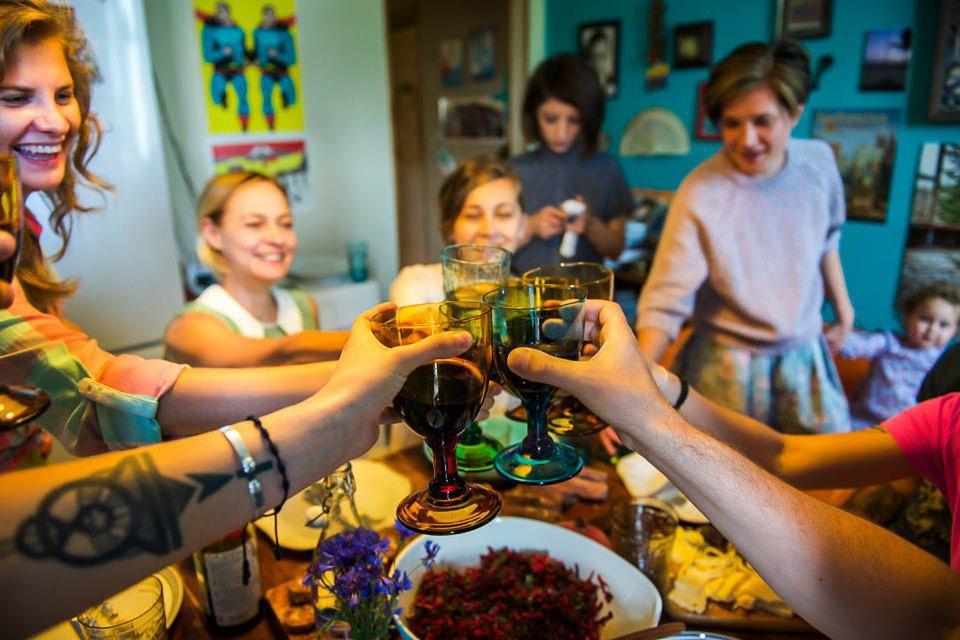 Кто изачем устраивает домашние званые ужины иобеды вМоскве. Изображение № 31.
