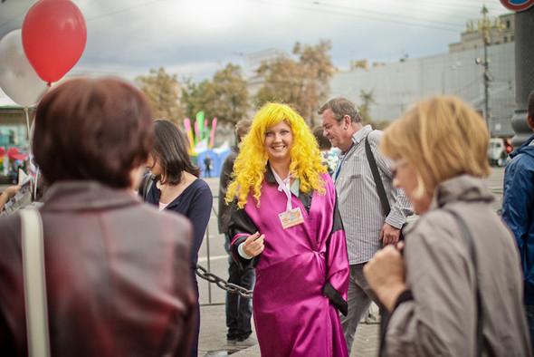 Универсальное поздравление: День города на московских улицах. Изображение № 10.