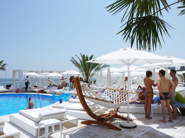 На песке: 5 пляжных клубов Одессы. Зображення № 63.