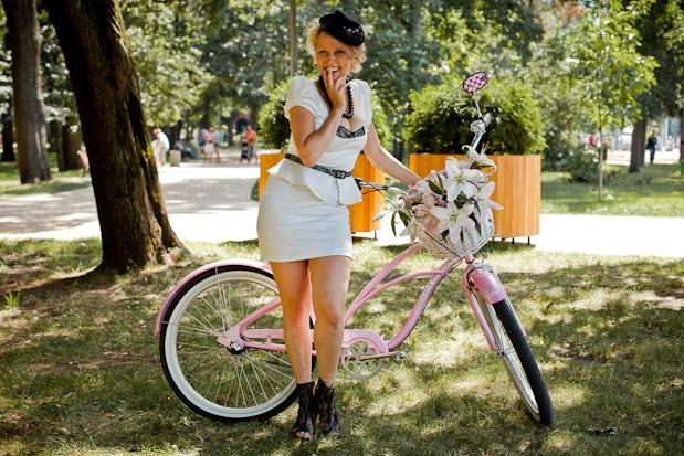Люди в городе: Участницы парада «Леди на велосипеде». Изображение №34.