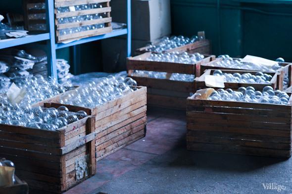 Сплошное надувательство: Фабрика елочных игрушек изнутри. Изображение № 13.