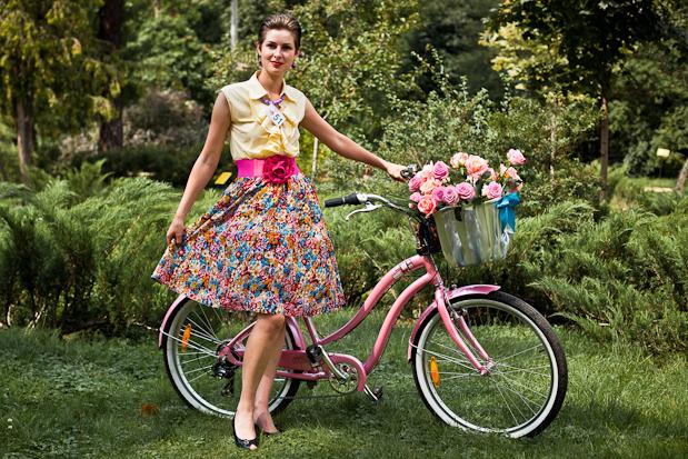 Люди в городе: Участницы парада «Леди на велосипеде». Изображение №32.