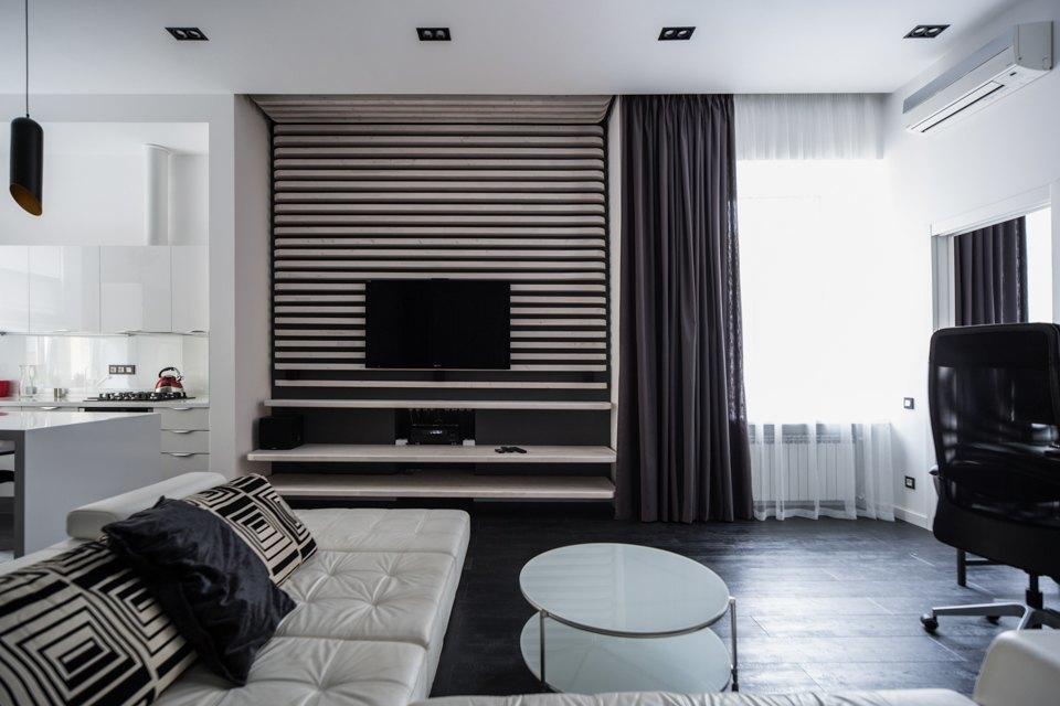 Квартира для Романа вчёрно-белых тонах. Изображение № 2.