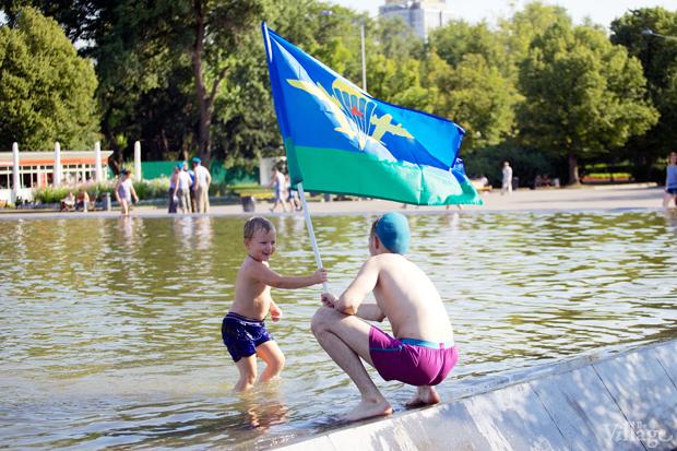 Люди в городе: Как отмечали День ВДВ в парке Горького. Изображение № 11.