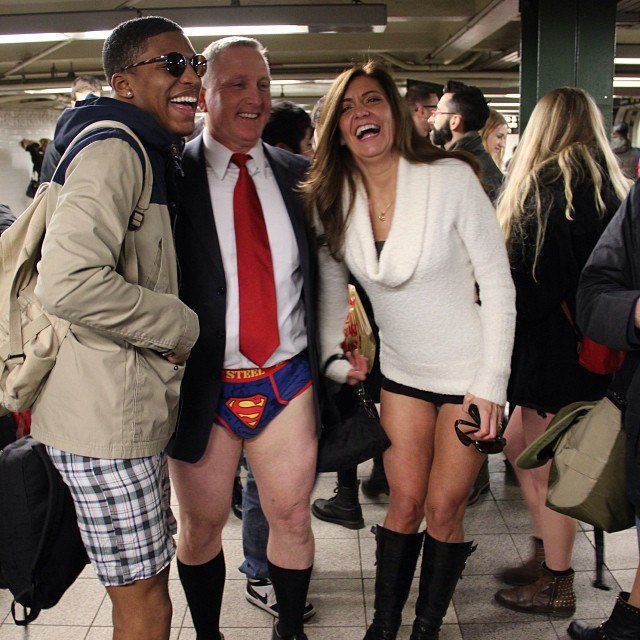 Флешмоб «В метро без штанов» в снимках Instagram. Изображение № 7.